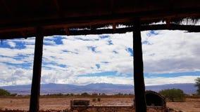 A paisagem árida e desolada do deserto de Atacama, o Chile fotografia de stock