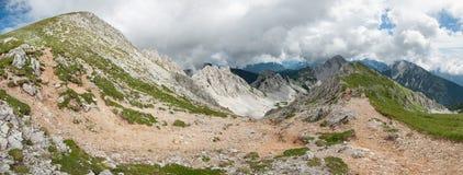 Paisagem alpina austríaca, Hochstuhl, Karawanks, Áustria fotos de stock