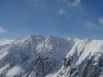 Paisagem alpina da montanha dos cumes Fotos de Stock
