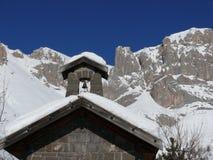 Paisagem alpina das dolomites com neve Trentino imagens de stock royalty free