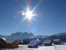 Paisagem alpina das dolomites com neve Trentino fotos de stock royalty free