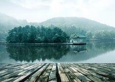 Paisagem alpina do lago Fotos de Stock Royalty Free