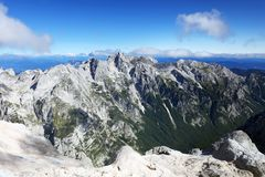 Paisagem alpina no parque nacional de Triglav Julian Alps visto do pico de Triglav Foto de Stock