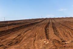 Paisagem arada do campo de exploração agrícola Imagem de Stock Royalty Free