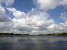 Paisagem. Baixas nuvens Fotografia de Stock Royalty Free