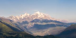 Paisagem bonita com montanha foto de stock royalty free