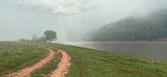 Paisagem bonita da manhã com o rio Foto de Stock Royalty Free