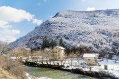 Paisagem bonita da montanha do inverno de Bulgária fotos de stock royalty free
