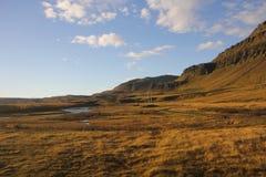 Paisagem bonita da montanha e do céu fotografia de stock royalty free