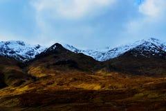 Paisagem bonita da montanha gelo-tampada Fotos de Stock