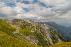 Paisagem bonita da montanha nos cumes de Lechtal, Tirol norte, Áustria Imagens de Stock Royalty Free