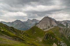 Paisagem bonita da montanha nos cumes de Lechtal, Tirol norte, Áustria Fotos de Stock Royalty Free