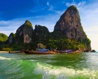 Paisagem bonita da natureza tropical de Tailândia. Turístico custado mar foto de stock royalty free