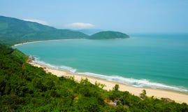 Paisagem bonita da praia de Lang Co Imagens de Stock