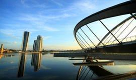 Paisagem bonita da reflexão em Putrajaya imagem de stock