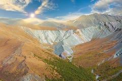 Paisagem bonita do outono, montanhas Rússia de Altai Fotografia de Stock Royalty Free