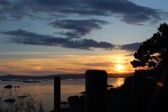 Paisagem bonita do por do sol do mar do verão imagens de stock