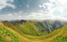 Paisagem bonita do verão da montanha nos cumes, Áustria Foto de Stock Royalty Free