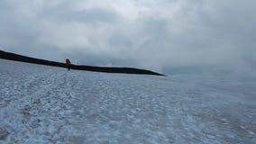 Paisagem bonita que caminha a fuga do laugavegur em Islândia video estoque