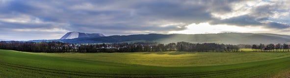 Paisagem cênico perto de Frankenhausen mau na montagem de Kiffhaeuser Fotografia de Stock Royalty Free