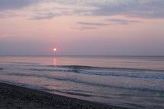 Paisagem calma do beira-mar do nascer do sol Fotografia de Stock