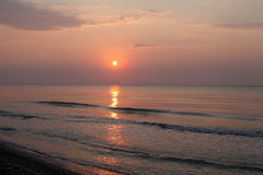 Paisagem calma do beira-mar do nascer do sol Imagem de Stock