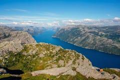 Paisagem colorida do verão em montanhas de Noruega Imagens de Stock