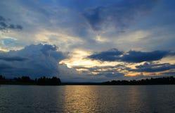 Paisagem colorida O olhar da natureza no norte da Suécia Fotografia bonita Fotos de Stock Royalty Free