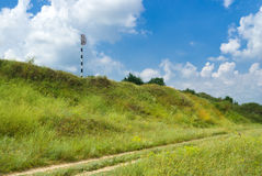 A paisagem com estrada rural e não assina nenhuma ancoragem Imagem de Stock Royalty Free