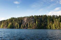 Paisagem com a floresta em Carélia, Rússia Foto de Stock