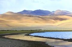 Paisagem com lago da montanha Foto de Stock