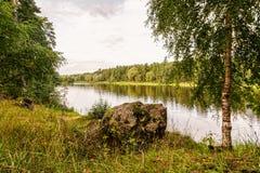 Paisagem com lago pequeno, outono Imagens de Stock