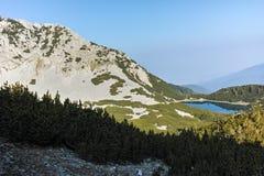 Paisagem com lago Sinanitsa, montanha de Pirin Fotografia de Stock Royalty Free