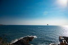 Paisagem com mar e o céu dramático Imagens de Stock Royalty Free