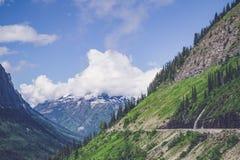 Paisagem com montes verdes Fotografia de Stock Royalty Free