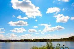 Paisagem com nuvens Imagens de Stock Royalty Free