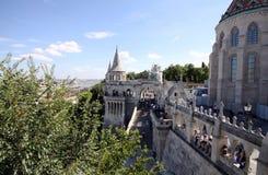 Paisagem com os muralhas dos pescadores em Budapest Imagens de Stock Royalty Free