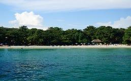 Paisagem com a praia tropical horisontal Fotos de Stock