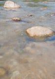 Paisagem com um rio da montanha Fotografia de Stock