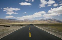Paisagem com uma estrada Fotos de Stock