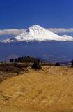 Paisagem com vulcão fotografia de stock