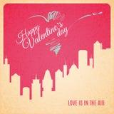 Paisagem da cidade do cartão do Valentim com silhueta dos arranha-céus Imagem de Stock Royalty Free