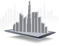 Paisagem da cidade no bloco de notas esperto da tabuleta Foto de Stock Royalty Free