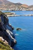 Paisagem da costa de mar na ilha da Creta perto de Rethymno, Grécia Fotografia de Stock Royalty Free