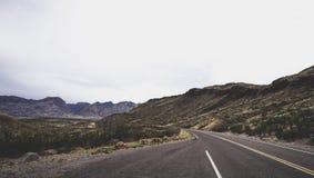 Paisagem da estrada da montanha imagens de stock royalty free