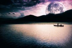 Paisagem da fantasia - lua, lago e barco Fotos de Stock Royalty Free
