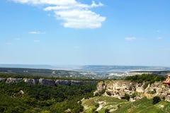 Paisagem da floresta da montanha na Crimeia imagem de stock