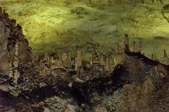 Paisagem da formação de rocha dentro da caverna Magura perto da vila Rabisha imagens de stock