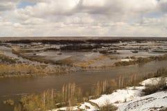 Paisagem da mola com rio Fotografia de Stock Royalty Free