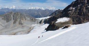 Paisagem da montanha da altura em cumes de Tirol fotografia de stock royalty free